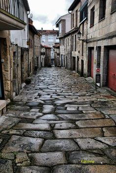 Galícia Allariz, Orense, Spain Would love to walk a street like Places In Spain, Places To See, World Street, Balearic Islands, Spain And Portugal, Beautiful Places To Visit, Spain Travel, Terra, Europe