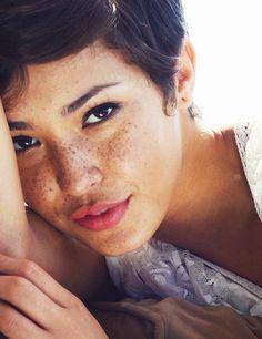 "Model Felicia ""Fo"" Porter, beautiful female face portrait T: Fopopps Fo Porter, Brown Hair Female, Creepy Smile, Freckles Girl, Freckle Face, Short Brown Hair, Beauty Shots, Portrait Poses, Tan Skin"