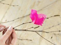 Tutorial fai da te: Come fare rametto di fiori con carta velina via DaWanda.com