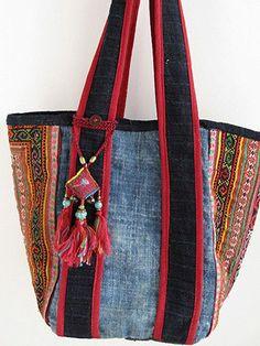 Para hacer con tela vaquera y pasamanería étnica Hippie Bags, Boho Bags, Ethnic Bag, Linen Bag, Unique Bags, Recycled Denim, Denim Bag, Fabric Bags, Quilted Bag