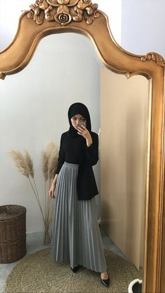 Muslim Women Fashion, Modern Hijab Fashion, Hijab Fashion Inspiration, Spring Fashion Casual, Hijab Casual, Hijab Chic, Ootd Hijab, Long Skirt Hijab, Long Skirt Fashion