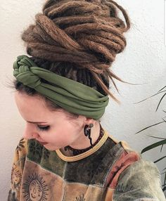 33 Ideas For Braids Rasta Girls 33 Ideas For Braids Rasta Girls Hippie Dreads, Dreads Girl, Hippie Hair, Dreads Styles, Curly Hair Styles, Natural Hair Styles, Hippy Hair Styles, Blonde Dreadlocks, Dreadlock Hairstyles