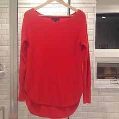 BR sweater size S Like new! Perfect with leggings. Can fit size S or M. Banana Republic Sweaters Crew & Scoop Necks