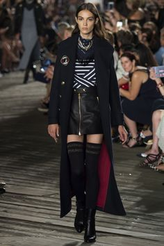 Tommy Hilfiger Fall 2016 Ready-to-Wear Fashion Show - Camille Hurel