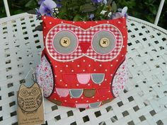 This stunning Bridget owl warmer in red and pink designer cotton fabrics with button eyes is filled with heatable lavender and wheat. It can be heated in the microwave and used to soothe your back possibly or warm you up on a cold night. The owl warmer should not be heated for more than 1 minute 30 seconds on 750W or 1 minute on 900W. Please read the detailed instructions attached to the owl carefully. The dimensions = 21cm x 21cm approx. A gorgeous and unique gift or accessory.
