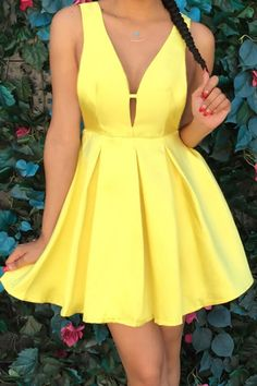 Plunging Neck Sleeveless A-Line Dress YELLOW: Dresses 2015 | ZAFUL