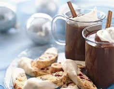 Dali by ste si takú domácu horúcu čokoládu? Žiaden prášok… Poďte som mnou vyskúšať tento recept.
