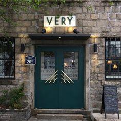 ideas exterior design store doors for 2019 Facade Design, Door Design, Exterior Design, House Design, Architecture Restaurant, Restaurant Design, Cafe Exterior, Interior And Exterior, Cafe Door