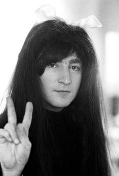 The Beatles, John Lennon Foto Beatles, Les Beatles, John Lennon Beatles, Beatles Photos, Beatles Bible, Beatles Funny, Beatles Band, Imagine John Lennon, John Lennon And Yoko