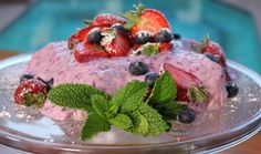 Frozen Berry Yoghurt Loaf : Food : The Home Channel Roast Gammon, Christmas Lunch, Beach Picnic, Mixed Berries, Baking Recipes, Delicious Desserts, Berry, Sweet Treats, Frozen