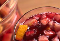 Als ik aan vakantie denk, denk ik aan Sangria; vers fruit en rode wijn, heerlijk! Er zijn veel varianten van de populaire Sangria, mijn favoriet is dit authentieke recept. Maak dit recept op een zwoele (na)zomeravond als je van plan…