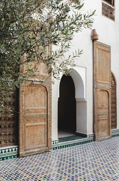Marrakech | Marrakech medina | Riad | Moroccan doors | Moroccan architecture | Moroccan courtyards | Marrakech pictures | Marrakech photo shoot | Marrakech photographer | Marrakech picture places | Photo shoot location | Marrakech citytrip | Dame traveler | Guardian travel snaps | Photographer in Marrakech | Morocco Riad Marrakech Medina, Riad Fes, Modern Moroccan, Moroccan Design, Moroccan Style, Islamic Architecture, Interior Architecture, Exterior Design, Interior And Exterior