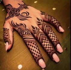 The Heena Art ... Mehandi Designs, Best Mehndi Designs, Henna Designs Easy, Mehendi, Henna Mehndi, Finger Heart, Mehndi Designs For Fingers, Simple Henna, Mehndi Images
