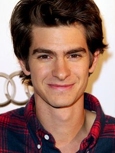 Andrew Garfield.. i wonder if he knows how awesome he is. or how awesome he looks. or how awesome his hair is? <3