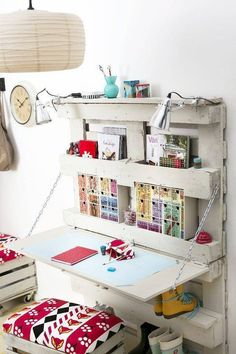 Diy Pallet Shelves With Desk from smallhousedecor.com