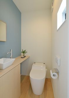 Individual Terrace | 注文住宅なら建築設計事務所 フリーダムアーキテクツデザイン Washroom Design, Bathroom Design Luxury, Bathroom Design Small, Small Toilet Design, Muji Home, Modern Toilet, Japanese Interior Design, Downstairs Toilet, Paint Colors For Home