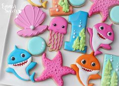 "Emma's Sweets - Mary on Instagram: ""Baby shark...... ( sorry if the song gets stuck in your head 😃) Cookie set for a one year old who loves baby shark 🦈 tutorial for shark…"""