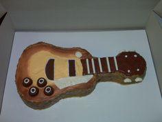Birthday Guitar Cake Holly King, Guitar Cake, Birthday Ideas, Favorite Recipes, Cakes, How To Make, Food, Cake Makers, Kuchen