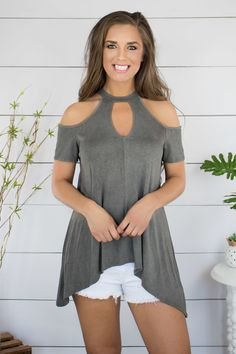 Shop this adorable gray cold shoulder top with a shark bite hem at Savy Mae's Boutique. Cool Outfits, Casual Outfits, Fashion Outfits, Womens Fashion, Altered T Shirts, Lace Mermaid Wedding Dress, Grey Outfit, Chic Dress, Comfortable Outfits