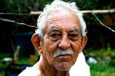 """El rey, Francisco Fonseca, etnia inda de los WAYÚU taxista y abuelo querido rif. """"la bendiccion"""""""