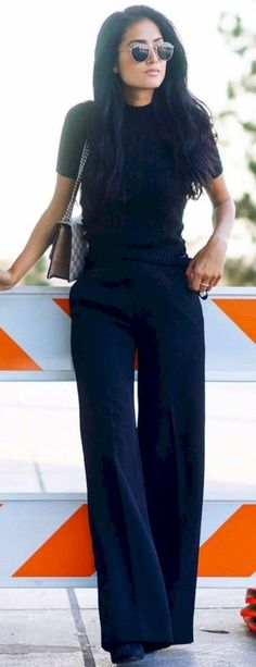 60 Fall Street Style Trends To Copy Right Now All Black Everything Looks Chic, Looks Style, Affordable Work Clothes, Professional Attire, Professional Women, All Black Professional Outfits, Inspiration Mode, Street Style Trends, Street Styles
