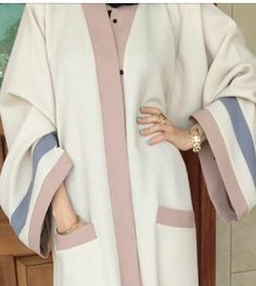 Loving this #pastel#abaya, I need this!!!
