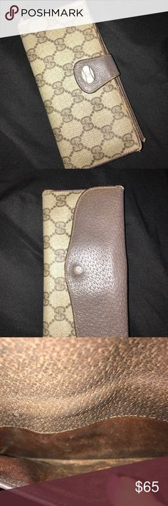 Vintage Gucci wallet✨ Super adorable vintage Gucci wallet is a perfect accessory for any Gucci lover please verify if you're buying at your own risk there is some staining on the back pocket where you put the coins I want to head and took a picture of that so you are aware before purchasing thank you💕 Gucci Bags Wallets