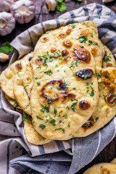 Homemade Garlic Naan – – You are in the right place about bread recipes homemade Here we offer you the most beautiful pictures about the bread recipes homemade easy you are looking for. When you examine the Homemade Garlic Naan – – part of[. Seafood Recipes, Indian Food Recipes, Vegetarian Recipes, Healthy Recipes, Curry Recipes, Recipes Dinner, Turkish Recipes, Dinner Ideas, Indian Chicken Recipes