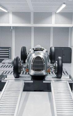 Visit The MACHINE Shop Café... ❤ Best of Audi @ MACHINE... ❤ (1936 CMC Auto Union C-type)