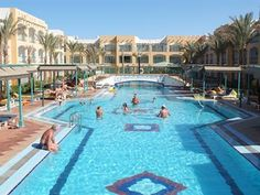 Egypte Hurghada.  Hotel Bel Air Azur resort. Samen Arabia Azur één geheel. Faciliteiten van beide hotels gebruiken! Privé-strand, via zusterhotel Arabia, op ca. 5 km van centrum El Dahar