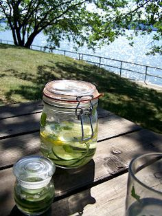This cucumber-basil-lemon water is so refreshing to drink and tasty too!