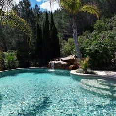 Rose Gardening Photography - Courtyard Gardening Bamboo - Patio Container Gardening How To Build - Colonial Kitchen Gardening Backyard Pool Landscaping, Backyard Pool Designs, Swimming Pools Backyard, Swimming Pool Designs, My Pool, Beach Pool, Natural Swimming Pools, Pool Waterfall, Dream Pools