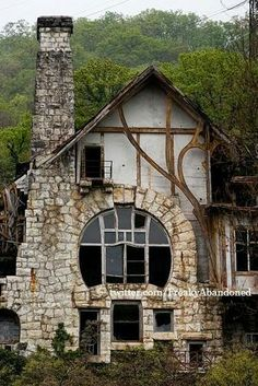 Aaaahhh, it's like a Hobbit House! I wants it! | Abandoned in the ghost town of…
