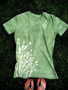 How to design a shirt w/ Elmer's blue glue. Super cool, girls we are totally doing this for a girls night this summer!!!
