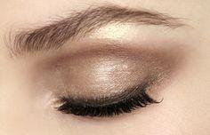 lamorbidezza:  Makeup atVersace Fall 2008 - fashion blog