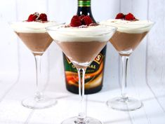 Best Dessert Recipes, Fun Desserts, Holiday Recipes, Yummy Drinks, Yummy Food, Mousse, Lchf, Cake Ingredients, Baileys