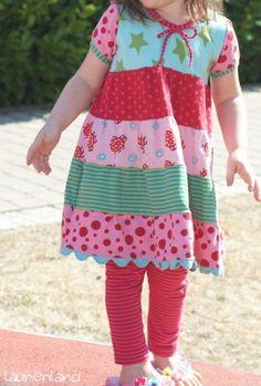 lillesol & pelle Schnittmuster/ pattern: Stufenshirt (als Kleid)