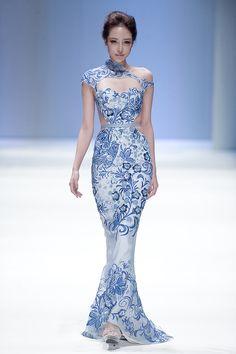 notordinaryfashion:  myblueguitar:  I would kill for this dress  Love