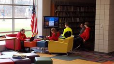 To adapt to changing student needs, some school libraries are reinventing themselves as makerspaces, but this Ohio library took a slightly different approach and has seen incredible results. Public Library Design, School Library Design, School Library Displays, Middle School Libraries, Public Libraries, Library Architecture, School Architecture, Library Boards, Library Ideas