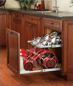 hmmm, a pan organizer.  This would be great considering I had the cabinet space.