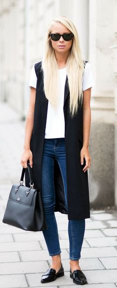 Black and White Combination Always Works | Try These 25 Chic Sleeveless Blazer Outfits In Every Season | Sleeveless Blazer Outfits | Fenzyme.com