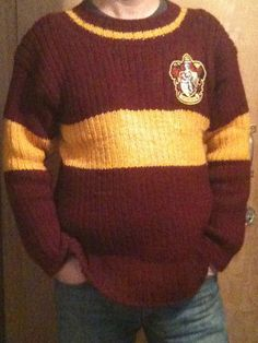 Harry Potter Replica Quidditch Sweater by Greg Steiner. Pattern and tutorial $5.00 on Ravelry at http://www.ravelry.com/patterns/library/harry-potter-replica-quidditch-sweater