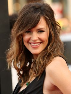 Jennifer Garner makes this hair look effortless and natural