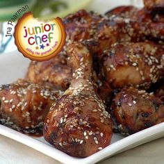 Everybody loves a dark brown, sticky drumstick speckled with nutty sesame seeds. The trick is to pre-cook the chicken in the microwave, before finishing it off on the braai. Braai Recipes, Easy Meals For Kids, Appetisers, Picky Eaters, Food Inspiration, Breakfast Recipes, Good Food, Vegetarian, Lunch