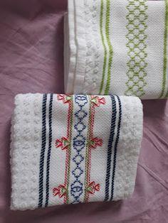 TOC-TOC NA CUCA: Bordados que fiz em 2018 Huck Towels, Swedish Embroidery, Swedish Weaving, Bargello, Blackwork, Needlepoint, Coin Purse, Blanket, Sewing