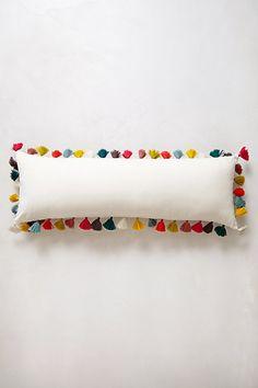 Firenze Velvet Cushion #anthropologie Anthro Dream Bedroom competition #AnthropologieEU #PinToWin