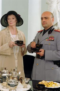 Maggie Smith, Tea with Mussolini, 1999 Loved this movie! Pier Paolo Pasolini, Maggie Smith, Judi Dench, Tea Art, Great British, High Tea, Drinking Tea, Afternoon Tea, Movie Stars