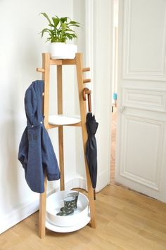Looking to have a more minimalist home? Use multifunctional pieces in unexpected ways to save space.