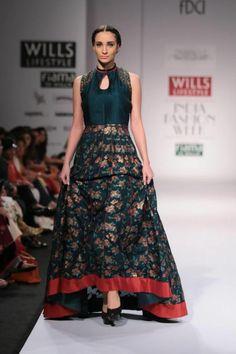 Pinnacle by Shruti Sancheti Wills Lifestyle India Fashion Week 2014 green flower Indian anarkali dress