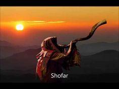 The Blowing of the Shofar on Rosh Hashanah Yom Teruah, Yom Kippur, Arte Judaica, Christian Messages, Christian Pics, Biblical Art, Biblical Hebrew, Shabbat Shalom, Christen